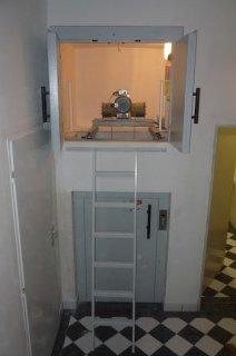Nákladní výtah