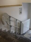 Šikmá schodišťová plošina v Karlových Varech