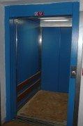 Kabina malého nákladního výtahu v pekárně Příbram