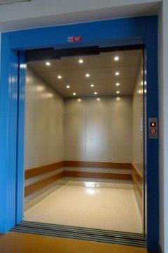 Kabina nákladního výtahu ve firmě STYL v Plzni