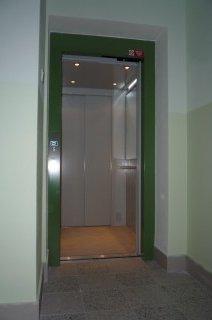 Kabina osobního hydraulického výtahu