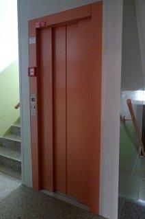 Realizace výtahu v panelovém domě