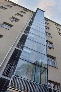 Instalace venkovní výtahové šachty
