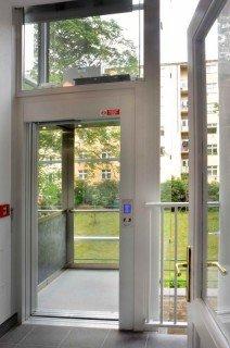 Venkovní výtahová šachta