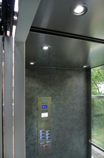 Venkovní výtah - vnitřek kabiny
