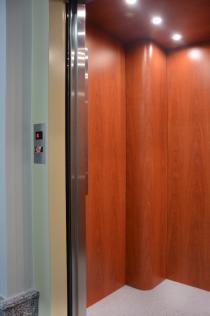 Bestrojovnový výtah