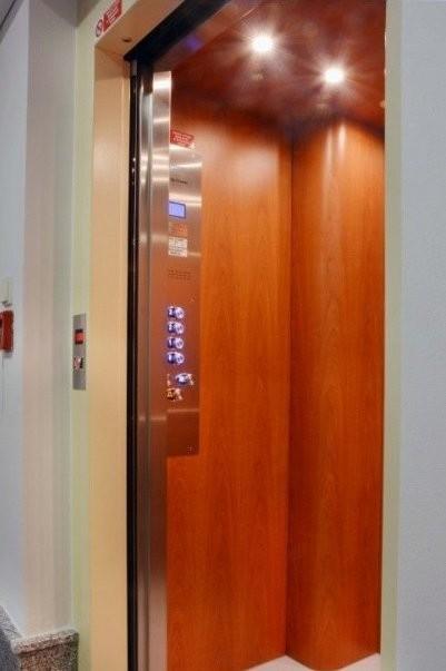 Bestrojovnový výtah v Praze - Japonské velvyslanectví