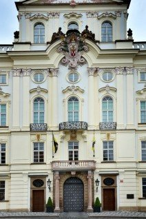 Osobní hydraulický výtah pro Arcibiskupství pražské