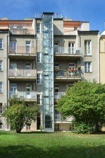 Osobní bezstrojovnový výtah v Praze