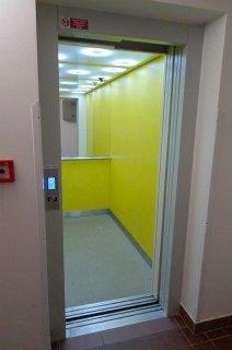 Modernizace výtahu v Plzni - MOVY 1000