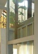 Osobní hydraulický výtah se sníženou prohlubní a hlavou šachty Mariánské Lázně