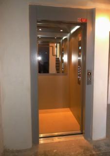 Velikost kabiny pro přepravu výtahem